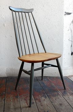 ERCOL Goldsmith Chair in two tone colour Ercol Chair, Ercol Furniture, Diy Pallet Furniture, Upcycled Furniture, Upholstered Chairs, Furniture Makeover, Home Furniture, Chair Cushions, Best Interior Design Apps