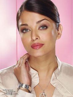 Aishwarya Rai is an Indian actress Actress Aishwarya Rai, Aishwarya Rai Bachchan, Bollywood Actress, World Most Beautiful Woman, Stunningly Beautiful, Beautiful Eyes, Bollywood Stars, Bollywood Fashion, Indian Bridal Makeup