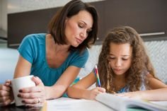 An online learning expert shares her top tips for homeschooling your kids. stay at home kids activities, work from home with kids, tips for working from home, homeschooling, teach kids at home