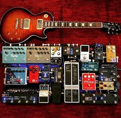 Killer setup from Guitar Effects Pedals, Guitar Pedals, Guitar Pedal Board, Types Of Guitar, Bass Amps, Kiesel, Cool Guitar, Pedalboard Ideas, Music Stuff
