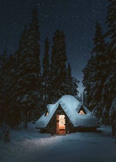 Cozy, snow-covered log cabin in the woods. Winter Cabin, Cozy Cabin, Winter Scenery, Cabins And Cottages, Snow Scenes, Winter Pictures, Cabins In The Woods, Winter Landscape, Log Homes