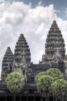 Art photography of Cambodia and Angkor's temples. Beautiful landscapes photograph and detail of Angkor Wat, Ta Prohm, The Bayon, Banteay Srei, Beng Mealea Buddhist Architecture, Beautiful Architecture, Beautiful Landscapes, Cambodia Itinerary, Angkor Temple, Angkor Wat Cambodia, Art Photography, Travel Photography, Africa Travel
