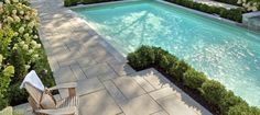 Without a spectacular pool deck, your swimming pool is just another face in the crowd. The material you choose to pave your deck will play a significant role in setting the tone or theme for your swimming area, and will enhance the appearance of your entire landscape. Because Techo-Bloc's Aberdeen slabs