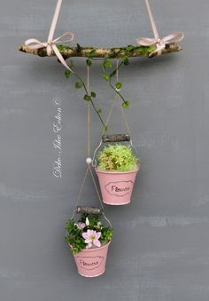 window hanger with two small buckets . - Easter decoration garden concrete - Ostern - … window hanger with two small buckets … … buckets filled with floral decorations … … hun - Garden Crafts, Garden Art, Garden Design, Diy Garden, Bucket Gardening, Japan Garden, Decoration Plante, Deco Floral, Hand Print Ornament