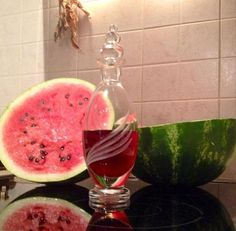 liquer watermelon_thessmama Greek Desserts, Hooch, Watermelon, Recipies, Beverages, Food And Drink, Alcohol, Cooking Recipes, Herbs