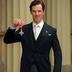 Benedict Cumberbatch received his CBE from Queen Elizabeth II at Buckingham Palace on November 10, 2015.