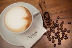 Αν είστε απο εκείνους που προτιμούν τον καφέ λιγο πιο εναλακτικό αυτη η σειρά σιροπιων φτίαχτηκε για εσάς. Τα σιρόπια για καφέ Capri βγαίνουν σε επτά μοναδικές γεύσεις. Καραμέλα Φουντούκι Φράουλα Σοκολάτα Βανίλια Μπανάνα Καρύδα. Συνδυάστε τα με τον αγαπημένος σας καφέ. Όλα στο Vittorio .  Για περισσότερες πληροφορίες επικοινωνήστε μαζί μας:  Στο τηλέφωνο επικοινωνίας : 210-5448267 Στο email: info@vittorio.gr  www.vittorio.gr Espresso, Latte, Tableware, Instagram Posts, Food, Gourmet, Espresso Coffee, Dinnerware, Dishes