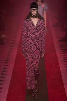 Sfilata Gucci Milano - Collezioni Primavera Estate 2017 - Vogue