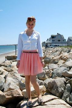 cute outfit {love the white shirt and flowy pink skirt}