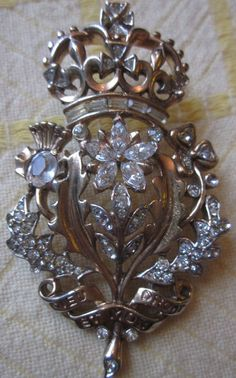 Vintage Signed TRIFARI British Crown