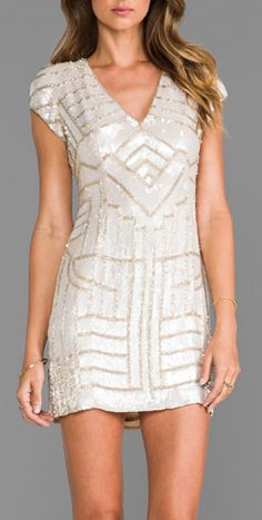 Deco sequined dress...I want a dress like this to wear to my school's Gatsby themed prom!