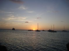 Repin if you want to see a sunset in Aruba for yourself!