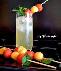 Cocktail analcolico frutta e menta