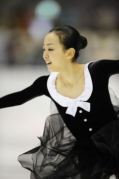 Mao Asada black costume figure skating, via Flickr.