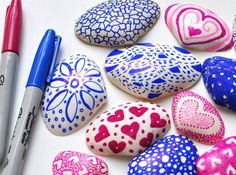 Getting Creative with Sharpies and Shells Seashell Crafts Kids, Fish Crafts, Rock Crafts, Arts And Crafts, Beach Crafts, Sharpie Crafts, Sharpie Art, Sharpie Projects, Sharpie Doodles