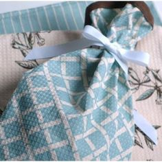 Give a loaf of homemade bread in this cute bread bag made from a dish towel.