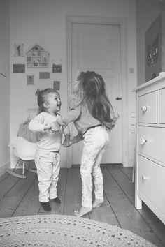 Migliore amiche, fotografie bambine.  (•◡•) Tante altre idee cool per le mamme sul sito ❤ mammabanana.com ❤
