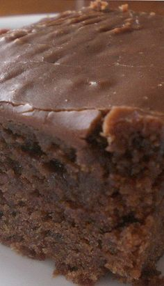 This rich, double chocolate coca cola cake made with real Coca-Cola is everything you want in a chocolate cake. I love this double chocolate Coca Cola cake recipe and I also really love Cracker Barrel too. Sweet Recipes, Cake Recipes, Dessert Recipes, Quick Recipes, Simple Recipes, Double Chocolate Coca Cola Cake Recipe, Cake Chocolate, Cocoa Cola Cake, Chocolate Heaven