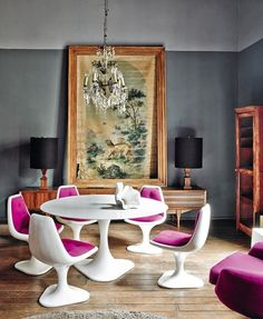 This vibrant, eclectic home in the heart of Mexico City belongs to interior designer Dirk-Jan Kinet. Mixing it up with great style … this old home, built around comes alive under his expert touch …pablo zamora for architectural digest espana House Colors, House Design, Eclectic Home, Dining Room Design, Dining Room Decor, Decor, Interior, Eclectic Interior, Home Decor
