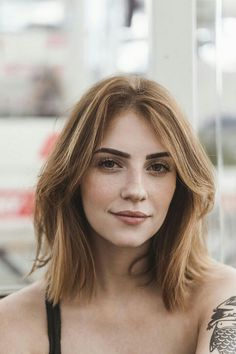 Choppy and Wavy Lob - 60 Inspiring Long Bob Hairstyles and Long Bob Haircuts for 2019 - The Trending Hairstyle Short Hair Styles Easy, Cute Hairstyles For Short Hair, Trendy Hairstyles, Short Hair Cuts, Medium Hair Styles, Straight Hairstyles, Curly Hair Styles, Short Hair Styles For Round Faces, Choppy Hairstyles