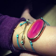 turquoise with pink is the perfect match Match 3, Perfect Match, Turquoise, Board, Bracelets, Summer, How To Make, Pink, Summer Time