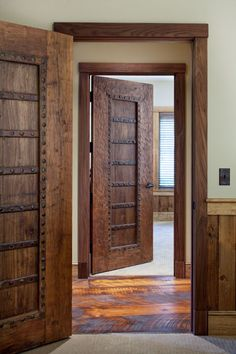 MossCreek Luxury Log and Timber Frame Homes Cool Doors Timber Door, Timber Frame Homes, Timber Frames, Rustic Doors, Wooden Doors, Wooden Windows, Wooden Door Design, Cool Doors, House Doors