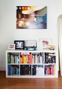 estante baixa de livros