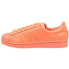 adidas Originals SUPERCOLOR SUPERSTAR Trainers bliss ($87) ❤ liked on Polyvore featuring shoes, sneakers, adidas, coral, leather trainers, cap toe shoes, round toe flat shoes, flat sneakers and print sneakers