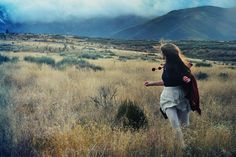 Escaping from the wolves  (press L) by Dara Scully, via Flickr