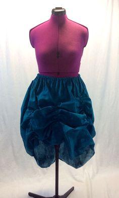 DIY Bustling Skirt http://www.instructables.com/id/How-to-Make-a-Self-Bustling-Skirt/