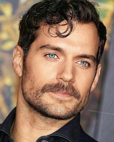 Henry Cavill most handsome man ever born unto this earth. Totally agree with this fact! Beautiful Men Faces, Most Beautiful Man, Gorgeous Men, Most Handsome Men, Handsome Actors, Henry Cavill Beard, Henry Cavill Tudors, Henry Cavill Eyes, Henry Superman
