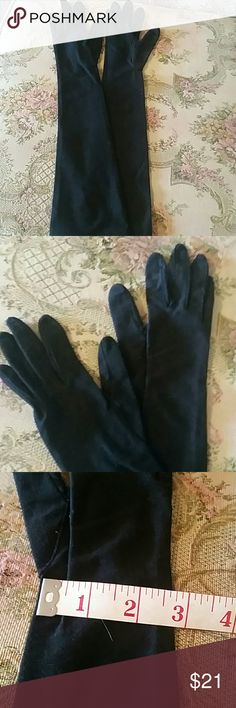 """Vintage evening gloves Nylon black long gloves by Superb. Worn in 70's. Excellent, like new condition. 18"""" measures from tip of middle finger. Believe size is right. superb Accessories Gloves & Mittens"""