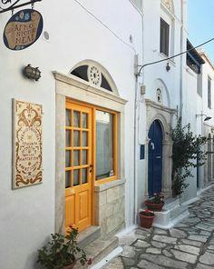 163c050bb8dc3e Tinos island-Kikladhes-Greece Porte Entrée, Voyages, Mykonos, Santorin, Îles