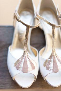 T-Bar Peep Toe Rachel Simpson Bridal Shoes | African Theme Wedding | Rustic Barn Wedding | Image by Anushé Low | http://www.rockmywedding.co.uk/marisa-edward/