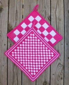 Watch The Video Alluring Beginner Crochet Blanket Ideas. Crochet Wool, Tapestry Crochet, Crochet Slippers, Crochet Gifts, Crochet Yarn, Crochet Squares Afghan, Crochet Blanket Patterns, Crochet For Beginners Blanket, Crochet Decoration