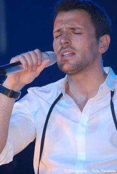 Νικόλα Kostas Martakis, Greek Music, Famous Singers, Folk Music, Best Songs, Messages, Celebrities, Funny, Amor