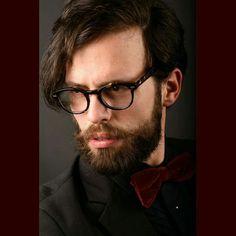 Model: Antonio Bordonaro Glass Brend: Jeans Adrenavision Milano Glass & Hipster Beard