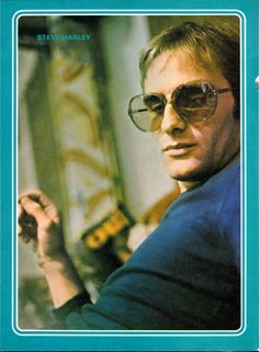 Steve Harley from Record Mirror 1976 Annual Steve Harley, Pin Up Posters, Pilot, Mens Sunglasses, Teen, In This Moment, Pictures, Magazine, Mirror
