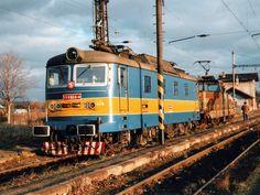 Light Rail, Model Trains, Locomotive, Locs, Electric, Paint, Vehicles, Old Trains, Train Station