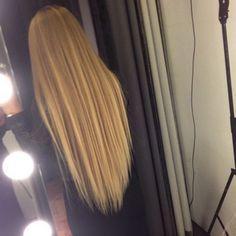 that long blond hair Beautiful Long Hair, Gorgeous Hair, Pretty Hairstyles, Straight Hairstyles, Long Haircuts, Medium Hairstyles, Blonde Hair Goals, Coiffure Hair, Ginger Hair