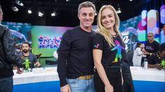 """Os apresentadores Luciano Huck e Angélica no """"Criança Esperança"""""""