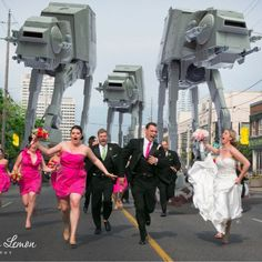 "Are you a Star Wars fanatic and would not mind seeing Storm Troopers running around at your wedding? Then check out these tips for your Star Wars Wedding Theme planning and ""May the force be with you! Crazy Wedding, Geek Wedding, Wedding Humor, Perfect Wedding, Funny Wedding Photos, Wedding Pictures, Wedding Images, Wedding Shot, Wedding Ideas"