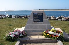 ETEL commemoration du 50eme ann. de la tragédie de la barre d'EtelMonument aux marins péris en mer
