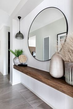 Entrance with large round mirror - With a floating wooden shelf, perfect .- Entrance with large round mirror – With a floating wooden shelf, perfect for narrow corridors! Narrow Entryway, Entryway Mirror, Entryway Decor, Narrow Hallways, Table Mirror, Entryway Ideas, Narrow Hallway Decorating, Modern Entryway, Foyer Decorating