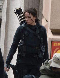 PHOTOS - Tournage d'une scène cruciale de Hunger Games - La révolte à Noisy-Le-Grand