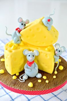 eine lustige Motivtorte mit dem Thema Mäuse