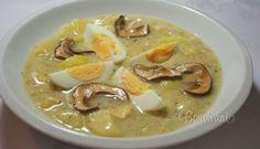 Kulajda (zemiaková polievka) 500 gzemiaky hrsťhuby sušené 250 mlsmotana na šľahanie 30 gmúka hladká 50 mlolej 2 lvývar 20 gsoľ 3 gkorenie nové celé 2 kslist bobkový 3 grasca mletá ocot cukor vajce kôpor čerstvý Sušené huby, namočíme. Na oleji orestujeme huby (vyžmýkané). Jemne osolíme, pridáme koreniny, na kocky pokrájané zemiaky a zalejeme vývarom. Povaríme 15 min. Pripravíme zátrepku (smotana, múka), pomaly prilievame do polievky Polievku prevaríme a pridáme nasekaný čerstvý… Czech Recipes, Russian Recipes, Ethnic Recipes, Soup Recipes, Cooking Recipes, I Want Food, Cheeseburger Chowder, Curry, Food And Drink