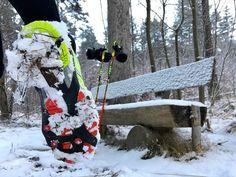 #TRITTSICHERHEIT BEIM WINTERLAUF AUF EIS, SCHNEE & MATSCH #Schuhspikes #Spikes #Laufen #Joggen #Trittsicherheit #Standsicherheit #Glätte #Schnee #Eis #Winter #Grip #K10_Nordic #Nordic_Walking #Nordic_Running #Lauftechnik #Koordination