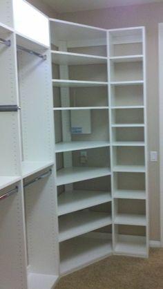 modelos de closet empotrados de melamina Corner shelves for closet - build her shelves like these, but more room in the middle Corner Closet Shelves, Corner Wardrobe Closet, Corner Closet Organizer, Closet Redo, Closet Remodel, Master Bedroom Closet, Wardrobe Storage, Bathroom Closet, Closet Storage