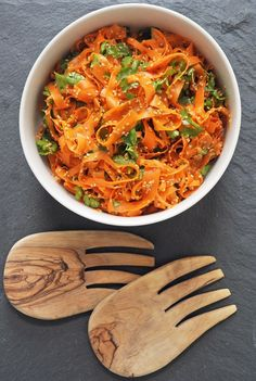 Spicy Sesame Carrot Salad Recipe that's quick (and easy) to prepare and can hold up to an overnight stay in the fridge, making it perfect for both weeknight dinners and brown-bag lunches.
